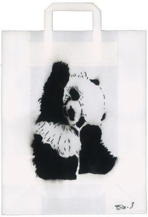 Sebastian Nowak, Panda, Spray auf Papiertasche