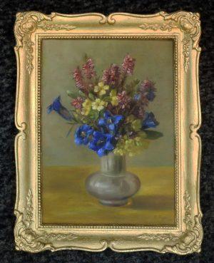 A. Geyer, Bauchige Vase mit Enzian und andere Blumen, Öl auf Pappe, gerahmt